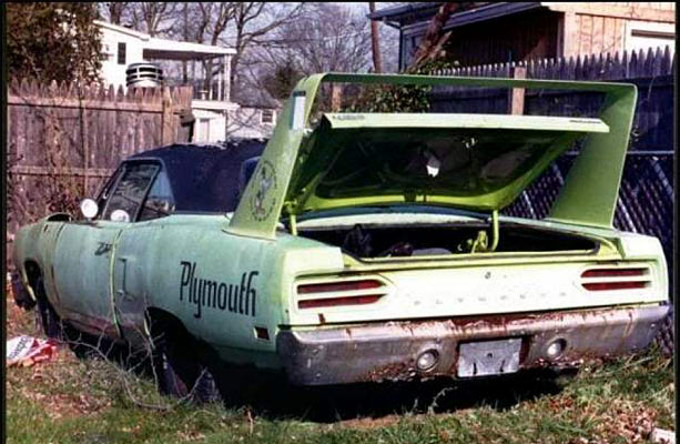 Plymouth-Superbird-76878