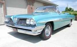 1961-Pontiac-Bonneville-Convertible-12