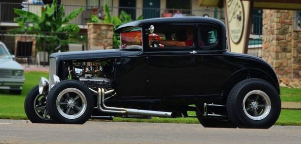 1932-Ford-57567