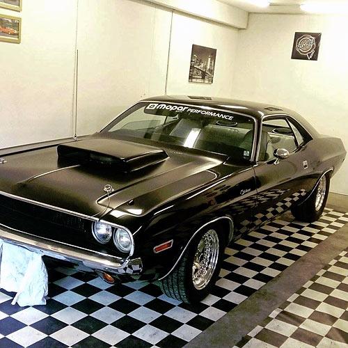 1970-Dodge-Challenger-13