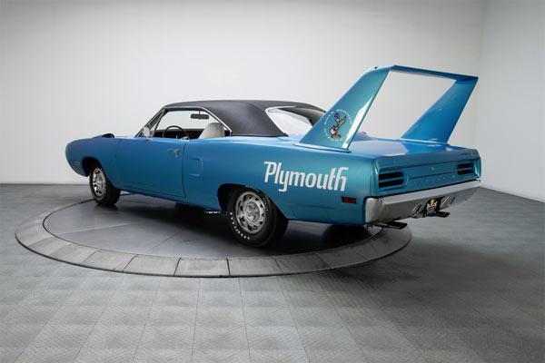 1970-Plymouth-Road-Runner-Superbird-13