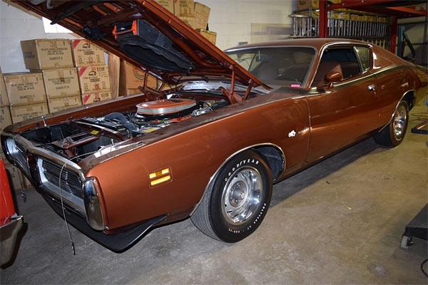 1971-Dodge-Charger-Super-Bee-426-Hemi-143