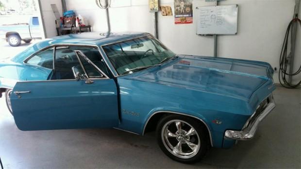 1965-Chevrolet-Impala-SS-13