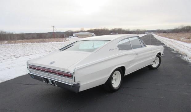 1966-Dodge-Charger-Hemi254652