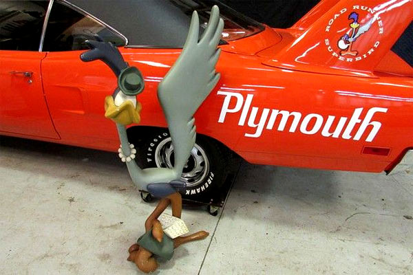 1970-Plymouth-Road-Runner-Superbird-13