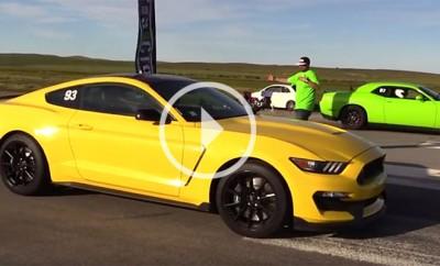 Shelby-GT350-vs-Hellcat-Challenger0-54