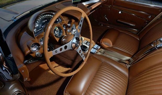 1962-Chevrolet-Corvette-65787