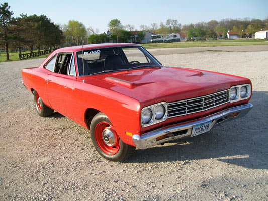 1969-Plymouth-RoadRunner-23436