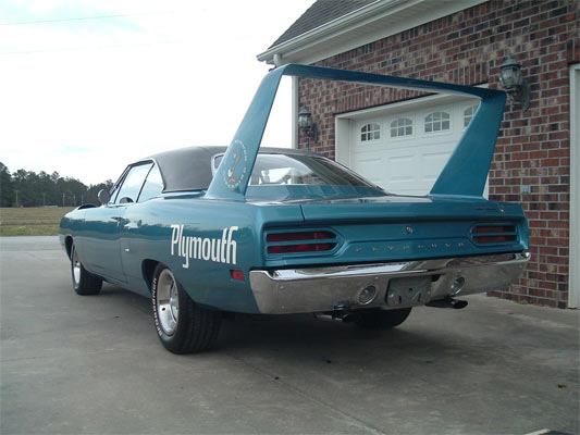 1970-Plymouth-Road-Runner-Superbird-245