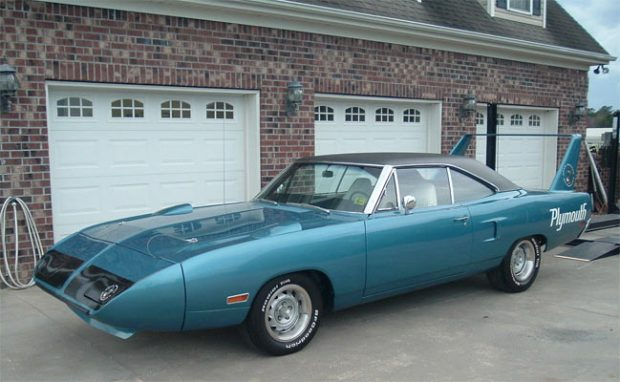 1970-Plymouth-Road-Runner-Superbird-23