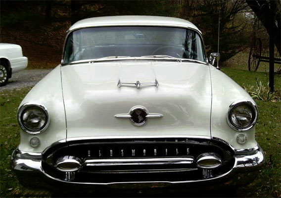 1955-Oldsmobile-Rocket-88-1745656