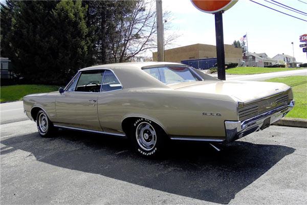 1966-Pountiac-GTO-2