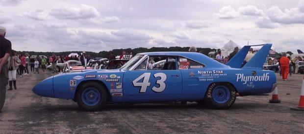 Plymouth-Superbird-glh2