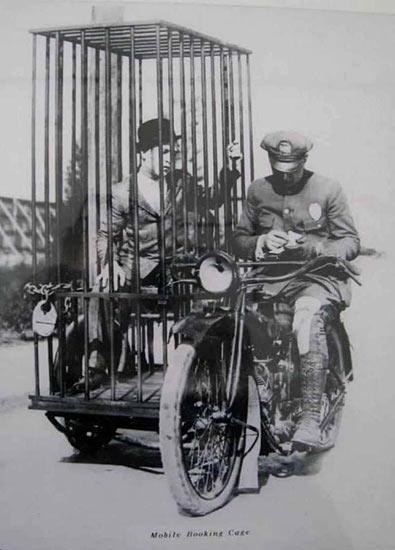 cagedmotorguy-456