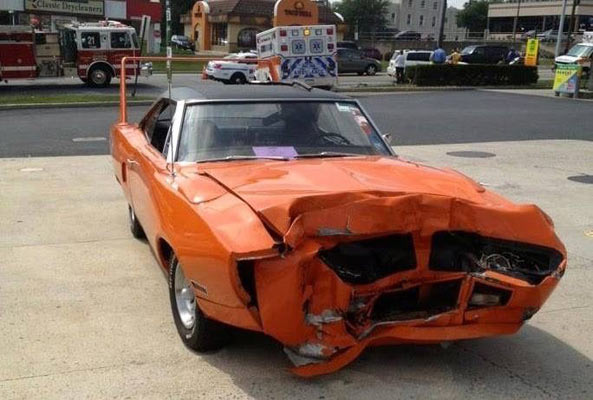 wrecked-muscle-car-68767