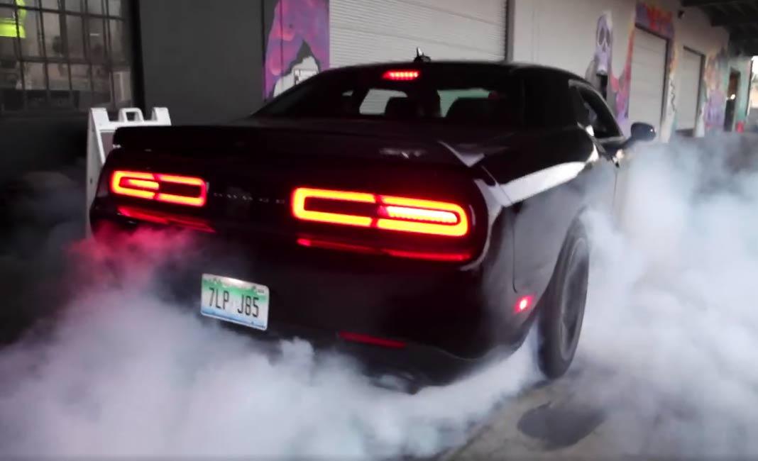 Dodge Challenger Hellcat For Sale >> Leah Pritchett Dodge Challenger Hellcat Burnout - Muscle Car