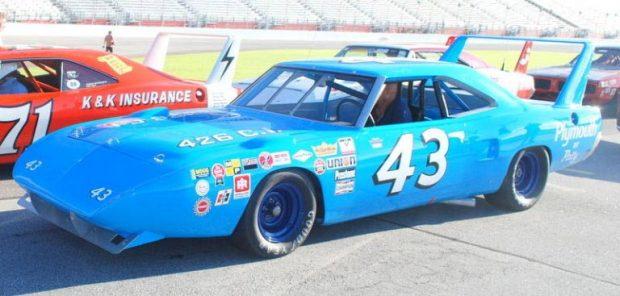 Plymouth-Superbird435