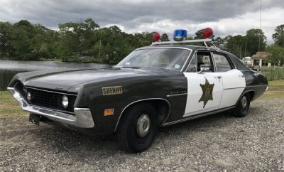 1970-Ford-Torino-Police-Car