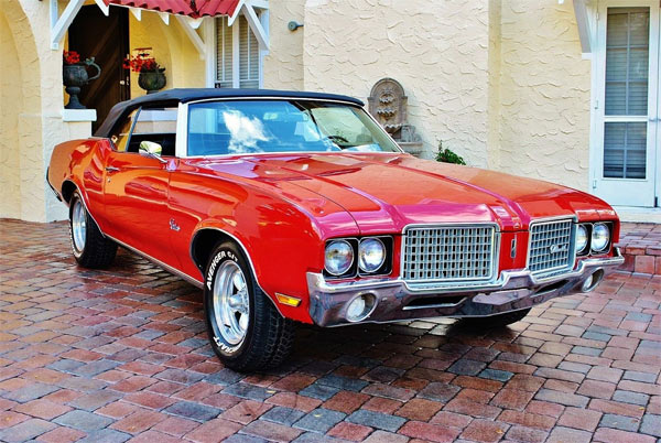 Cutlass-442red