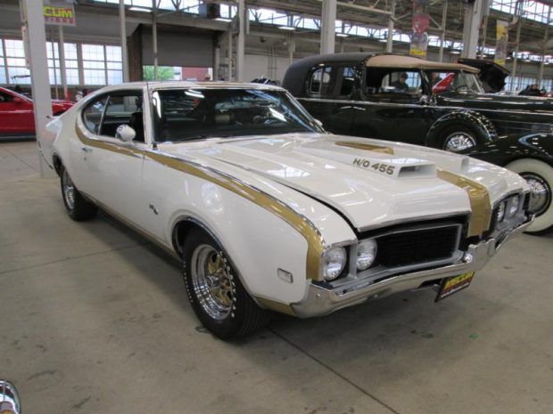 Oldsmobile_1969_Hurst 4-4-2_Hardtop Coupe