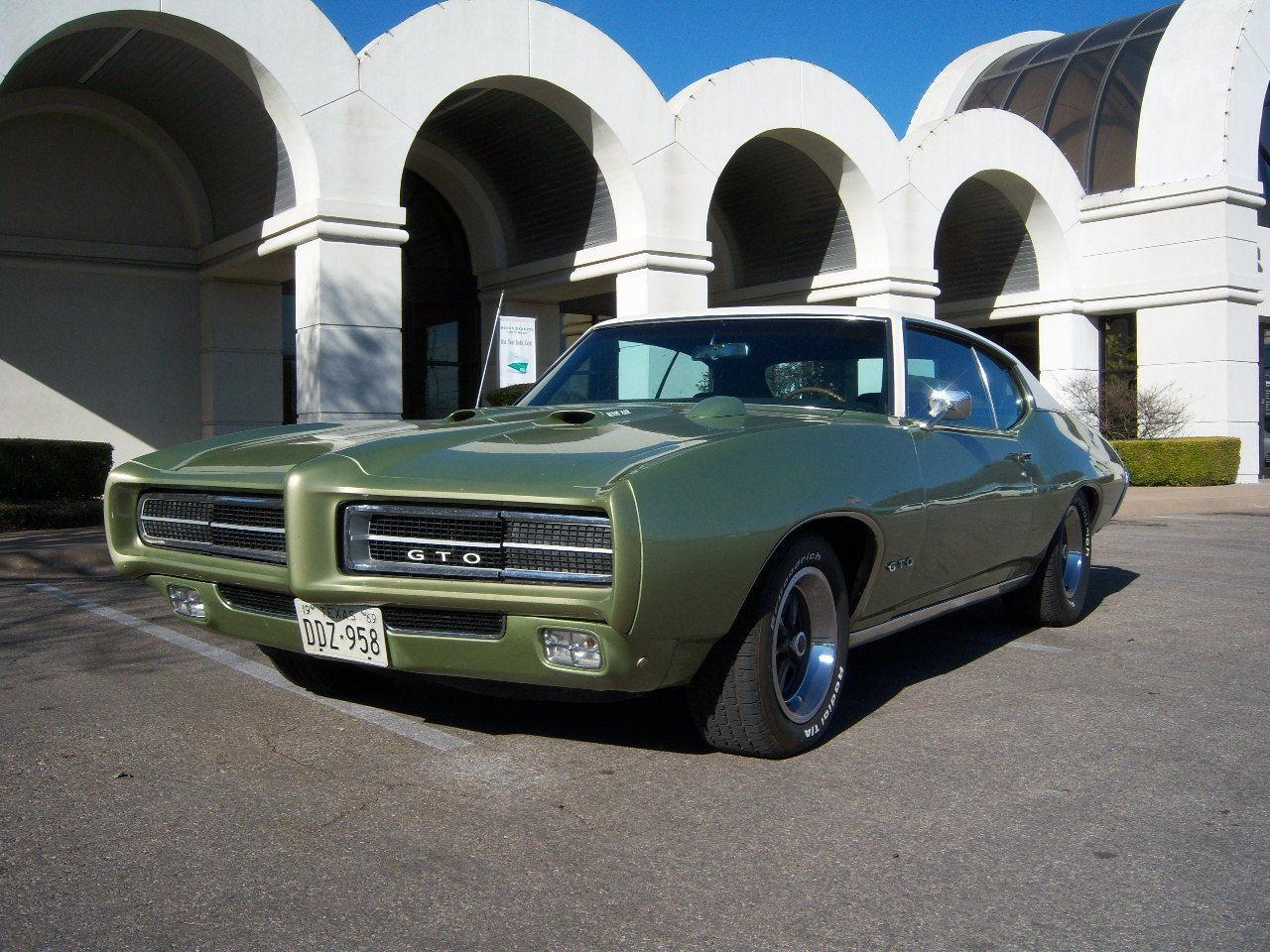 1969 Pontiac GTO Hardtop Coupe-12