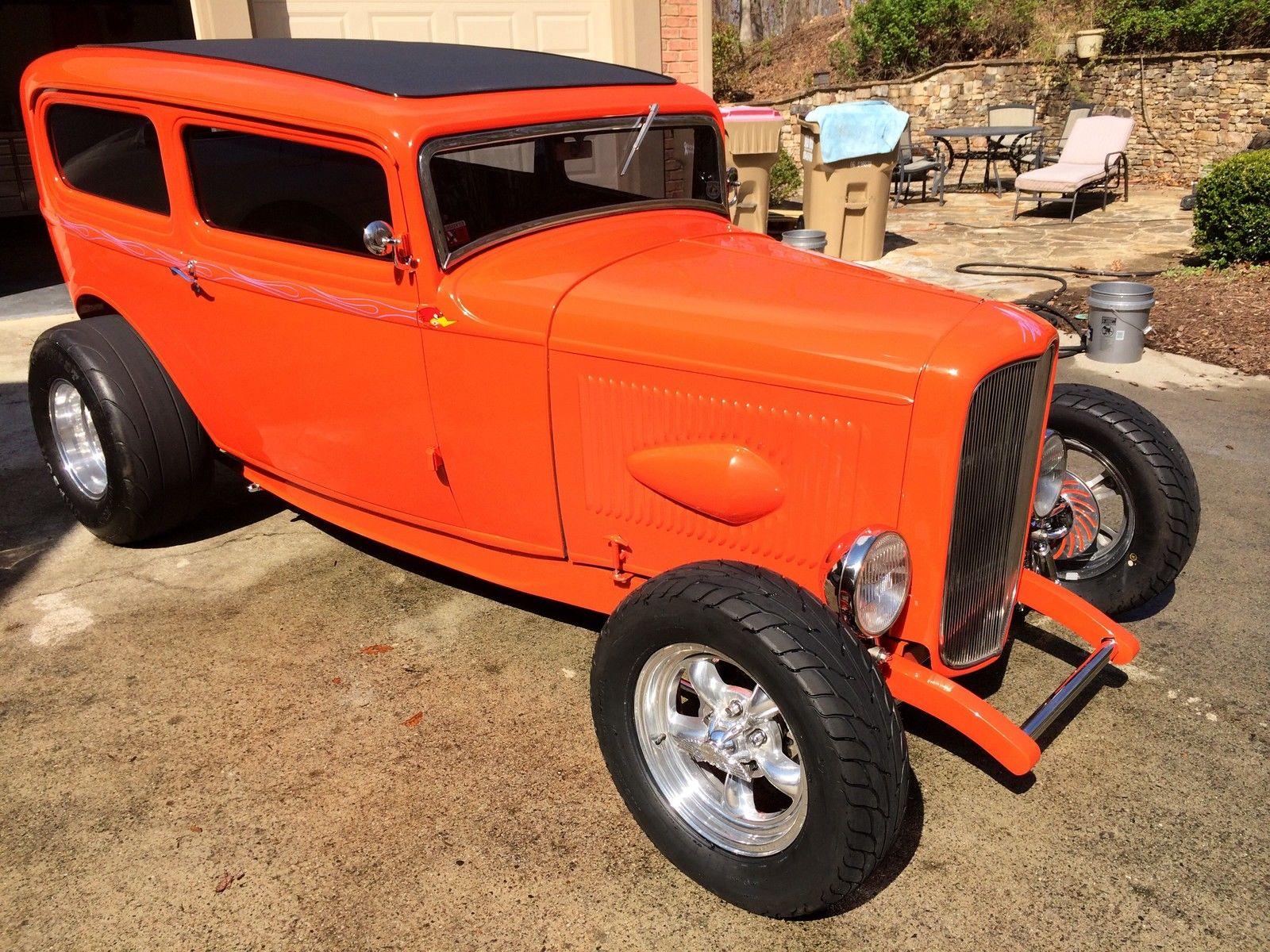 1932 Ford Tudor Sedan-11