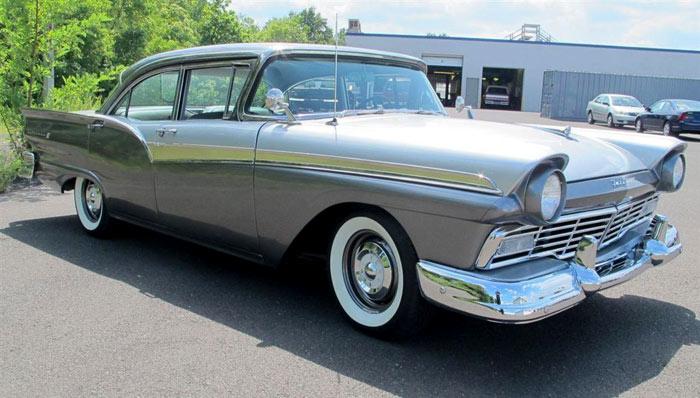 1957-Ford-Fairlane-Fairlane-500-Sedan-Factory-supercharged,-312ci32