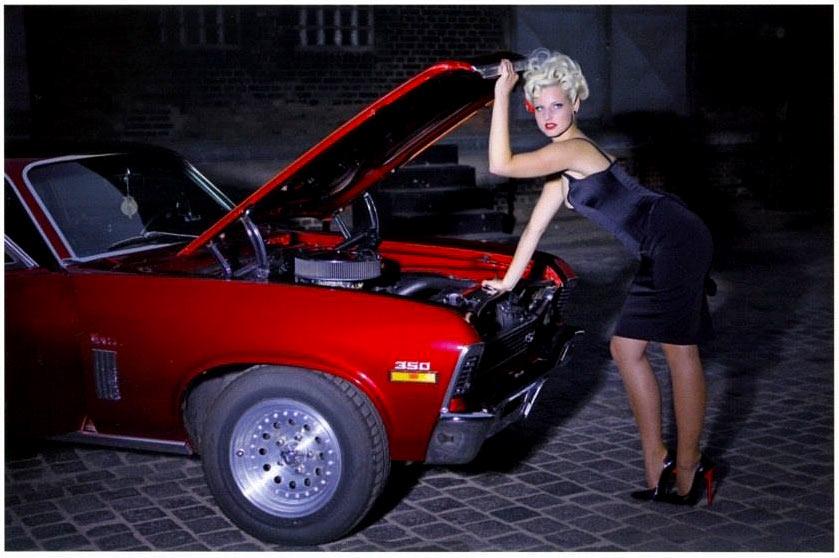 Chevy-1969-Nova-SS girl