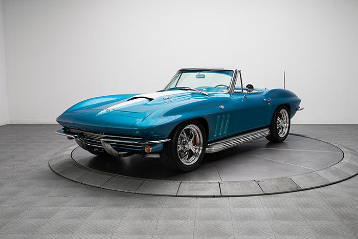 1965-Chevrolet-Corvette-Sting-Ray-1