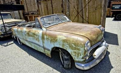Plumber-Leaves-100-Vintage-Cars