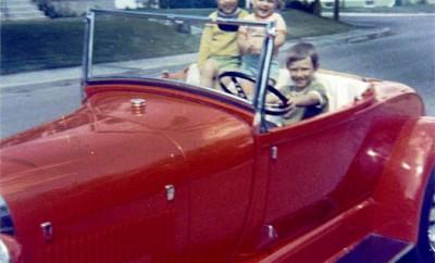 1929-Family-Hot-Rod-Model-A--12