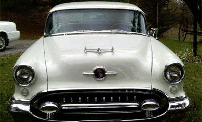 1955-Oldsmobile-Rocket-88-1745656
